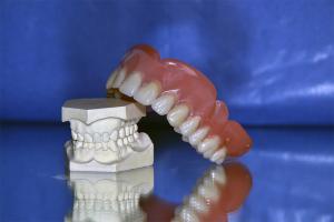 Zahnersatz, Schulungen, Zahntechnik, Dentallabor